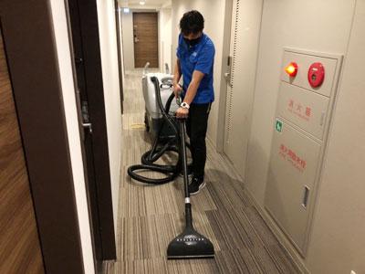 ホテル共用部分カーペット清掃